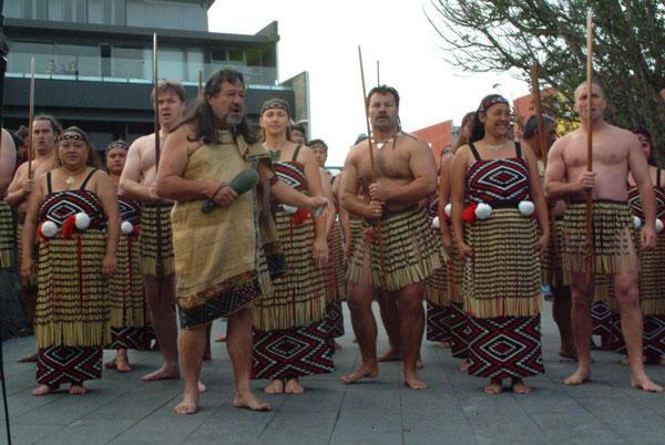 Māori performers