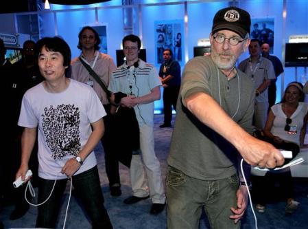 Spielberg plays Wii