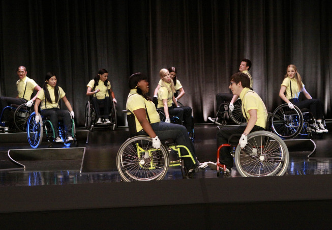 Artie Group Performance on Glee