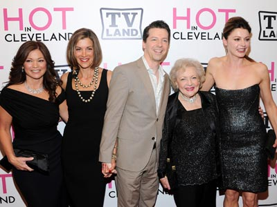 Hot in Cleveland cast with Sean Hayes