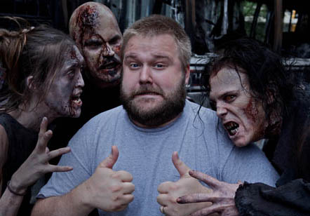 Robert Kirkman with zombie-faced cosplayer