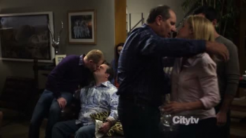 Modern Family The Kiss