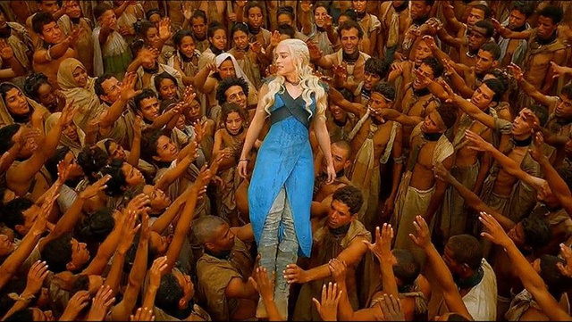 Daenerys crowd surfing