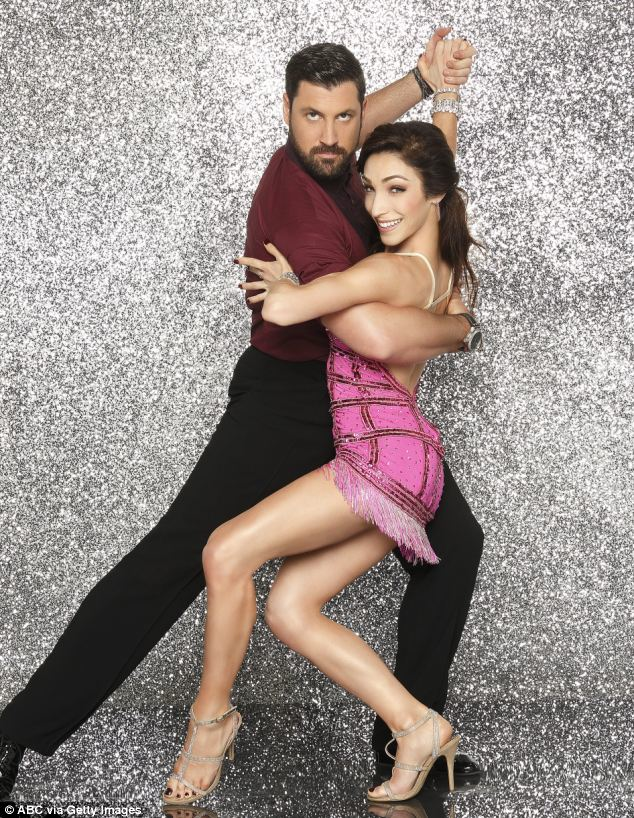 Who Is Dating Who On Dwts 2018